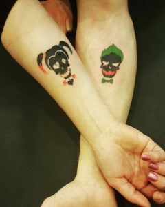 14cff6bc83717d5d0b8c02700df0726d 240x300 - Frases, Imágenes y Tatuajesde del Joker (El Guasón)