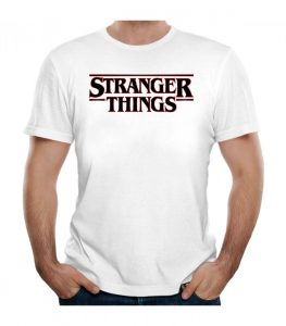camisetas stranger things logo 263x300 - Camisetas Frikis