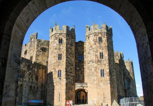 donde esta el castillo de hogwarts? castillo harry potter real