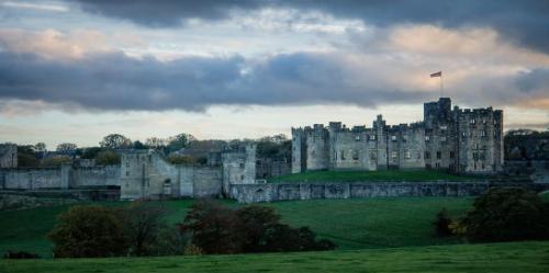 donde esta el castillo de hogwarts, como llegar al castillo de harry potter, castillo de harry potter real, castillo harry potter