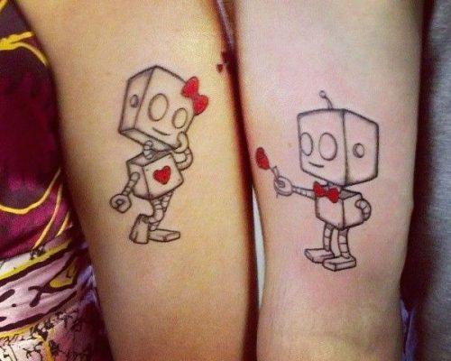 tatuajes frikis románticos pequeños
