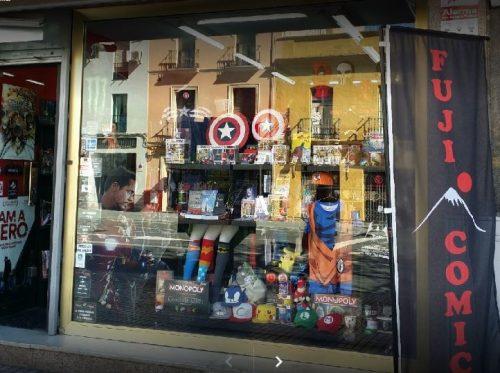top tiendas frikis sevilla, fuji comic sevilla