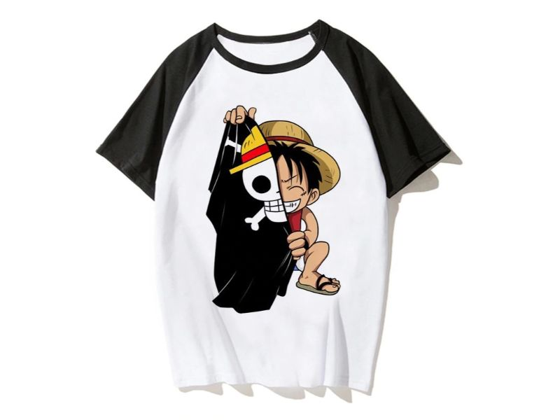 Camisetas One Piece blanca con negro