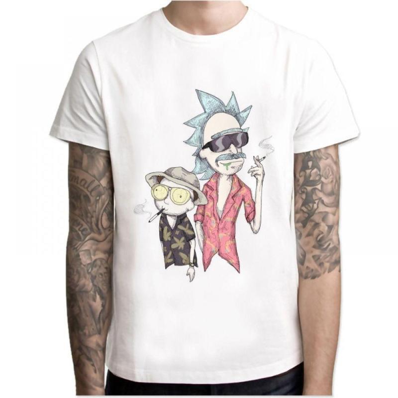 chico tatuado con Camisetas Rick & Morty