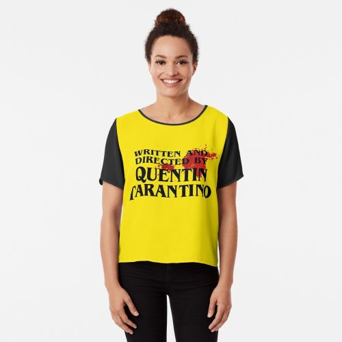 mujer con Camisetas Tarantino amarilla