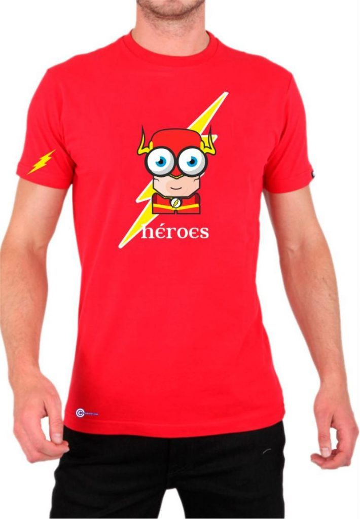 chico con camisetas flash