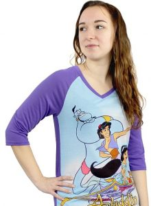 mujer con bata pijama de aladdin