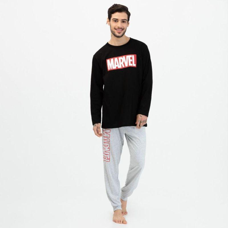 pijama negra de marvel