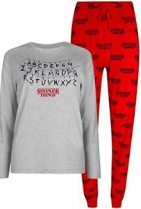 pijamas stranger things, comprar un pijama stranger things para niño, niña, hombre, mujer o familia