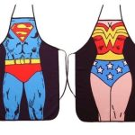 comprar los mejores delantales frikis para cocina, Delantales Frikis superman y superchica, para hombre y mujer