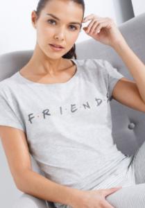 comprar pijamas friends para mujeres y niñas